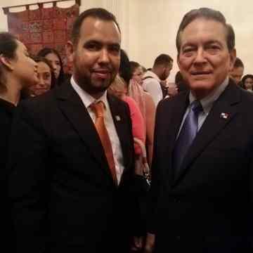 Diplomacia saharaui en la presentación de la campaña «Panamá sin Trata»