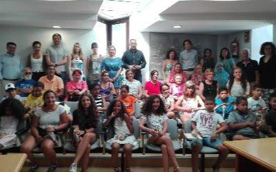 Regresan a Tinduf los niños saharauis que han pasado el verano en Cantabria – El Faradio | Periodismo que cuenta