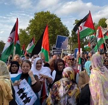 Paris: grande démonstration de soutien au peuple sahraoui, le droit à l'autodétermination réitéré