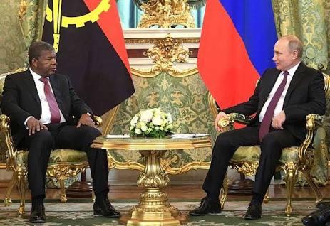 El presidente de Angola aprovecha la Cumbre de Sochi para reiterar ante Putin que el Sáhara Occidentalsigue siendo un territorio ocupado que reclama su libertad e independencia