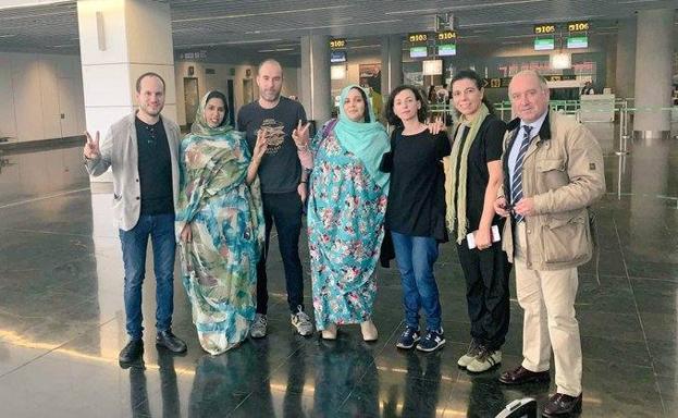 Marruecos impide a cuatro parlamentarios vascos entrar en Sáhara Occidental   El Correo