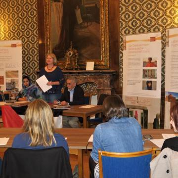 La activista saharaui Hayat Haimuda @hayat_rguibi sostiene importantes encuentros con parlamentarios europeos y organismos políticos austriacos | Sahara Press Service