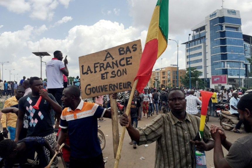Unión Africana condena golpe de Estado en Mali