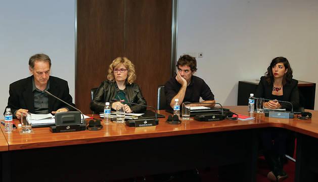 La Mesa del Parlamento de Navarra ha autorizado un acto de bienvenida y reconocimiento a las familias de acogida de Navarra de los niños y niñas saharauis el 9 de septiembre