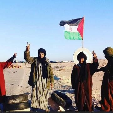Decenas de activistas saharauis están instalados en El Guerguerat y no piensan irse