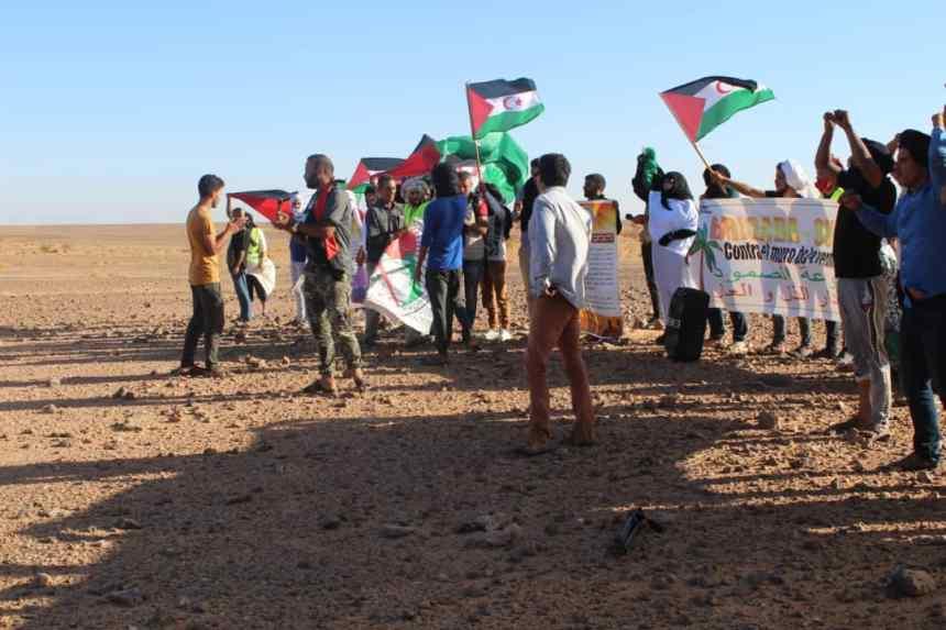 Los jóvenes saharauis dicen basta al muro marroquí de la humillación y la vergüenza   Sahara Press Service
