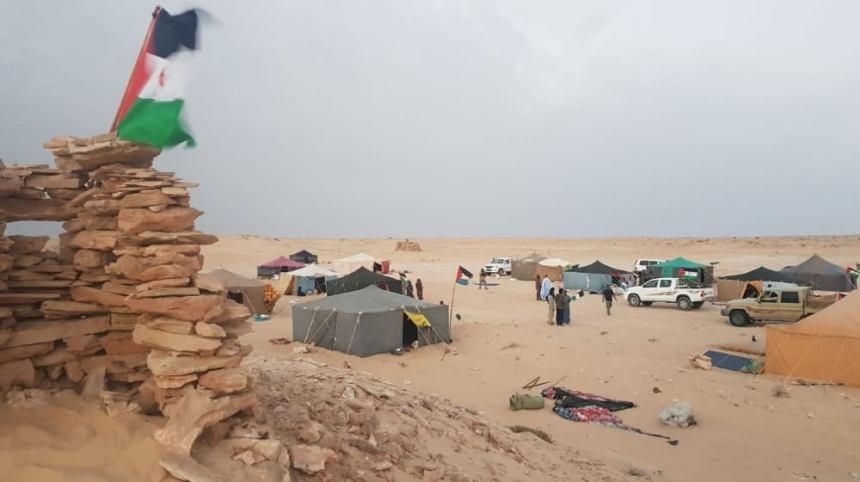 Levantan un campamento de protesta frente a la brecha ilegal en El Guerguerat, al sur del Sáhara Occidental.