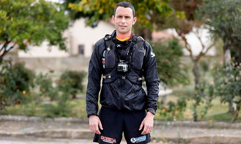 Joseba Alzueta corre los 753 km que separan Roncesvalles de Santiago de Compostela para dar visibilidad a la causa saharaui | Sahara Press Service