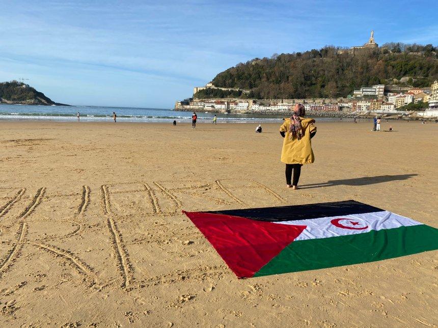 Cientos de personas piden «libertad» para el pueblo saharaui en Euskadi – Deia