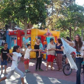 MIRANDA | Una muestra recuerda los veinte años del proyecto 'Vacaciones en Paz' | El Correo