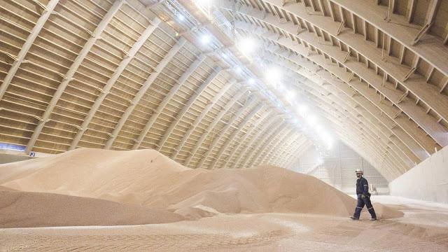 Un país africano que reconoce a la RASD firma acuerdos con Marruecos para la compra de fosfato