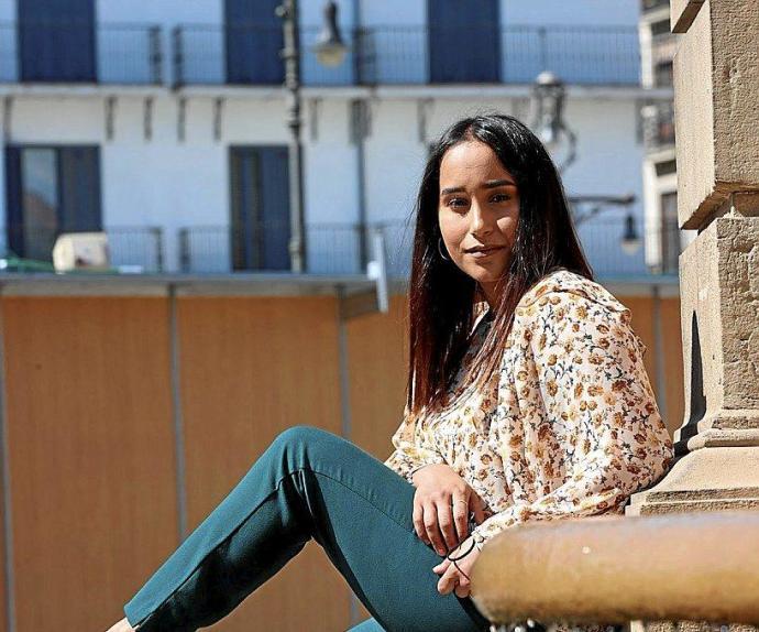 Fadila Dellal: «Ya son muchos años así, la gente saharaui está muy quemada, y no sabe qué hacer con su vida» – Diario de Noticias