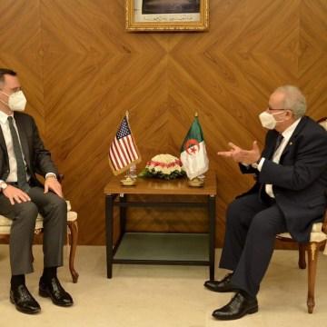 Argelia y EE.UU examinan la situación en las regiones África del Norte y Medio Oriente