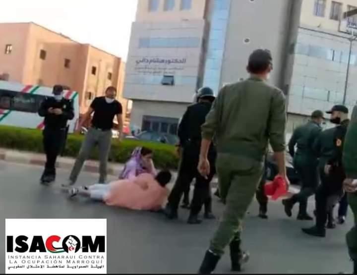 Las fuerzas de ocupación marroquíes reprimen con violencia a manifestantes saharauis en El Aaiún ocupado