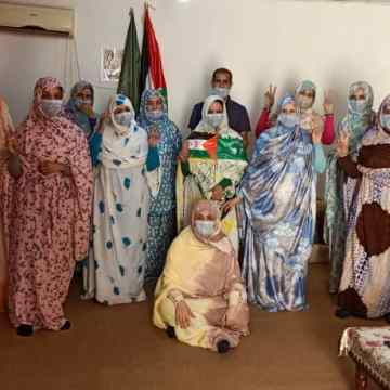 En el Día de la Mujer Africana: Mujeres saharauis organizan una sentada de solidaridad con la activista saharaui Sultana Jay-ya y su familia | Sahara Press Service