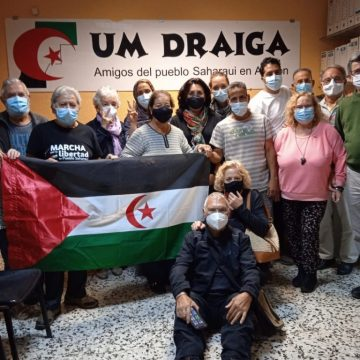 Naziha El Khalidi, periodista de Equipe Media y activista de DDHH saharaui en los territorios ocupados, recibida en Um Draiga