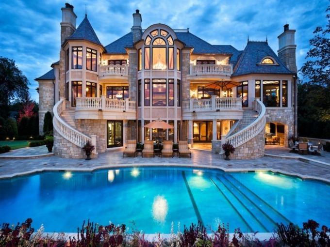 desain rumah mewah berhalaman kolam renang