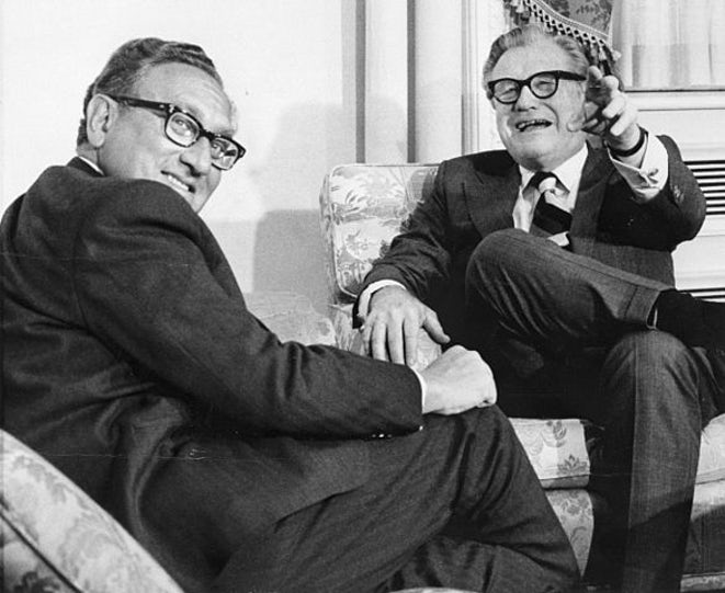 Nelson_Rockefeller_with_Henry_Kissinger_January_3_1975