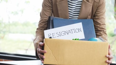 How to Write a Resignation Letter with Sample