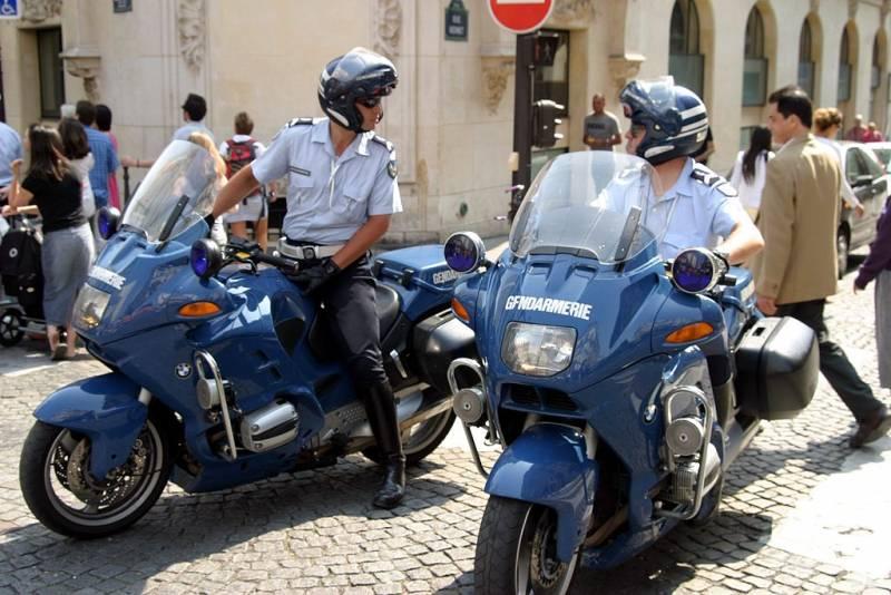 21_gendarmerie_bmw_r1100rt