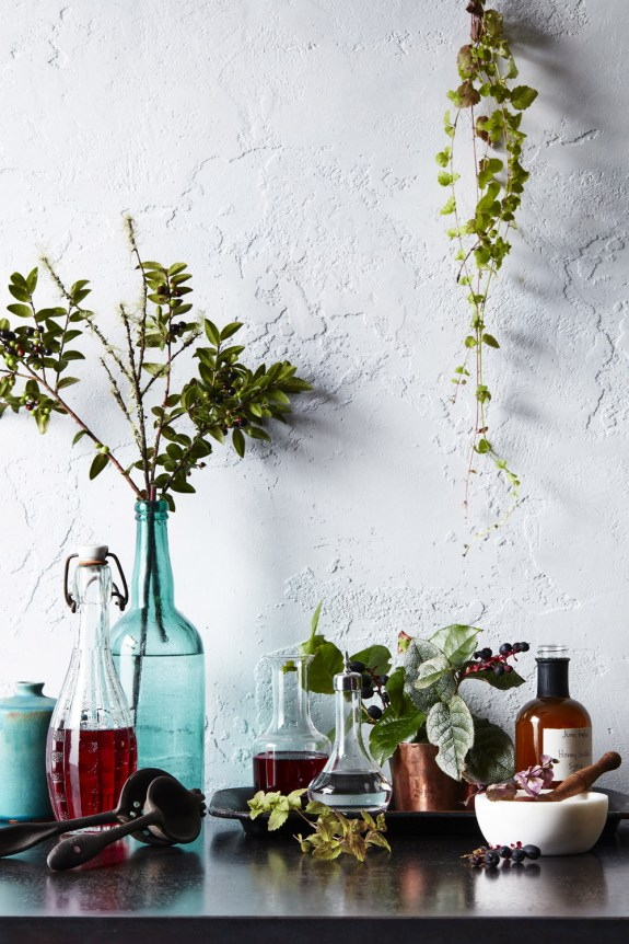 Aromatics_Bar_Scene_0837