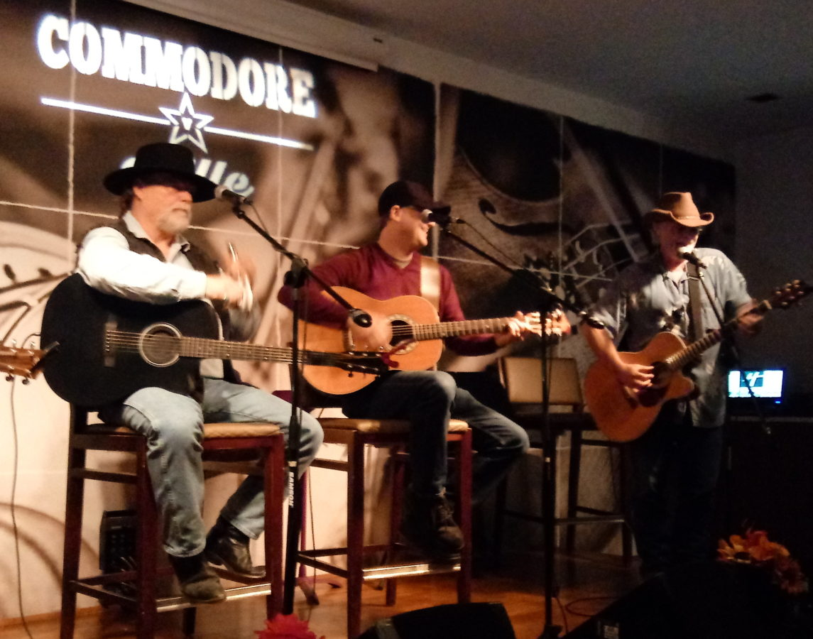 Commodore Grille, a busy listening room in Nashville