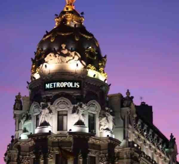 Metropolis building at sunset, Madird, ES (2011-10)