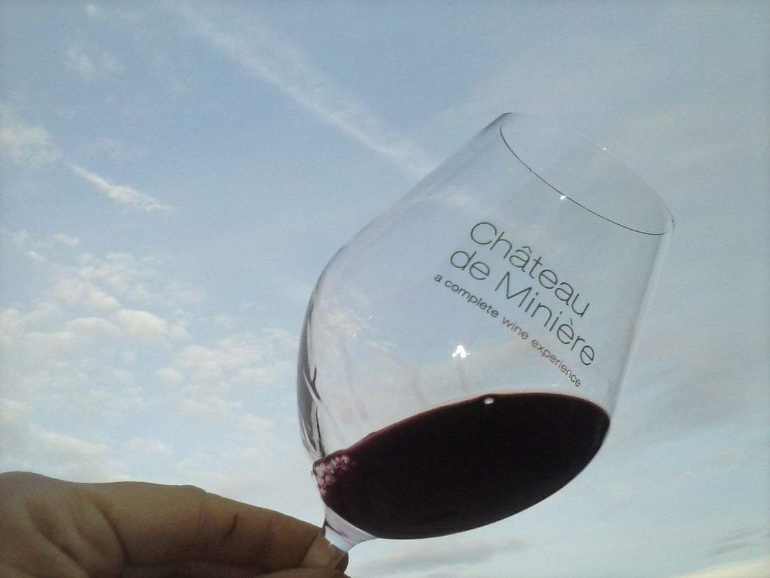 Wine glass Chateau de Miniere, France (2015-10)