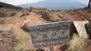 Summit sign on Mount Cameroon (day 2) (2012-01)