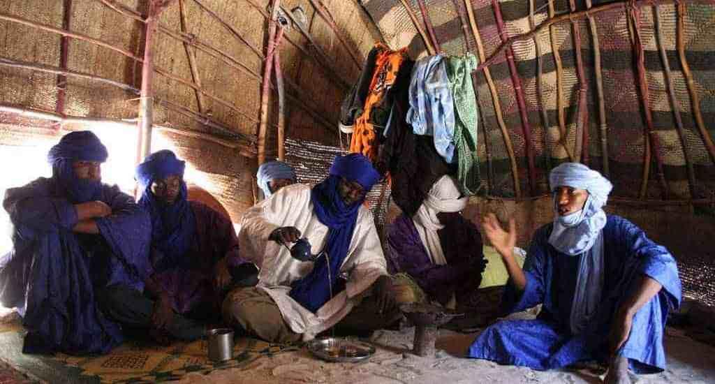 Visiting tuaregs in their tent, Timbuktu, Mali (2011-11-25)