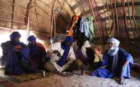 Visiting tuaregs in their tent, Timbuktu, Mali (2011-11-25)