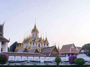 Royal quarter temple at sunrise, Bangkok, Thailand (2017-03)