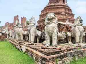 Lion sculptures at Wat Thamminkarat, Ayutthaya, Thailand (2017-04)