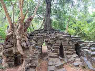 Kbal Spean bridge, Angkor Small Circuit, Siem Reap, Cambodia (2017-04-13)