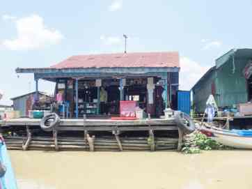 Lunch place, Boat from Siem Reap to Battambang, Cambodia (2017-04-22)