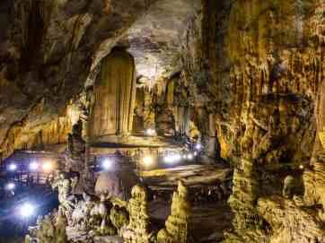 Paradise Cave, Phong Nha-Ke Bang National Park, Vietnam (2017-06)
