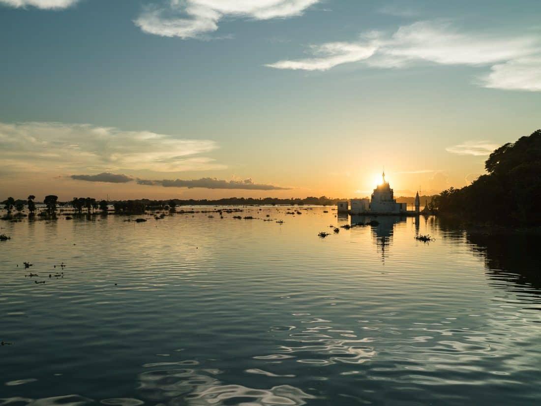 U Bein Bridge at sunset, Amarapura, Mandalay, Myanmar (2017-09)