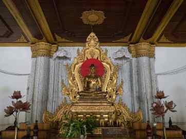 Buddha at Atumashi Kyaung, Mandalay, Myanmar (2017-09)