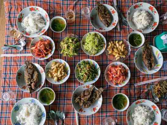 Inle Lake boat tour: Lunch for four, Myanmar (2017-10)