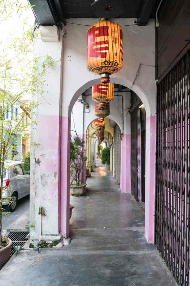 Collonaded sidewalk - George Town, Penang, Malaysia - 20171219-DSC02948
