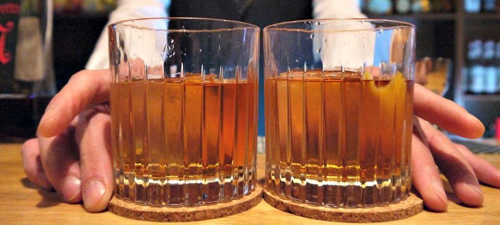 Cócteles agitados vs mezclados: ¿cuál es la diferencia?
