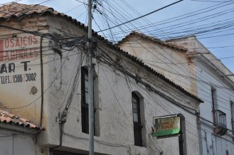 Sucre: Crazy Bolivian wireing