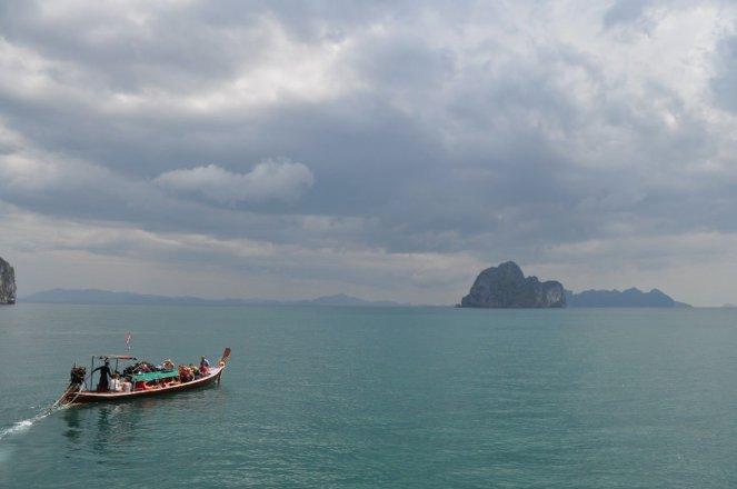 Si Kao long-tail boat