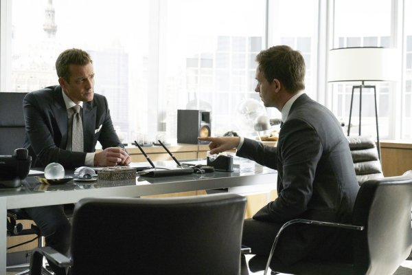 Suits - Season 7 still