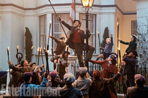 Mary Poppins Entertainment Weekly still