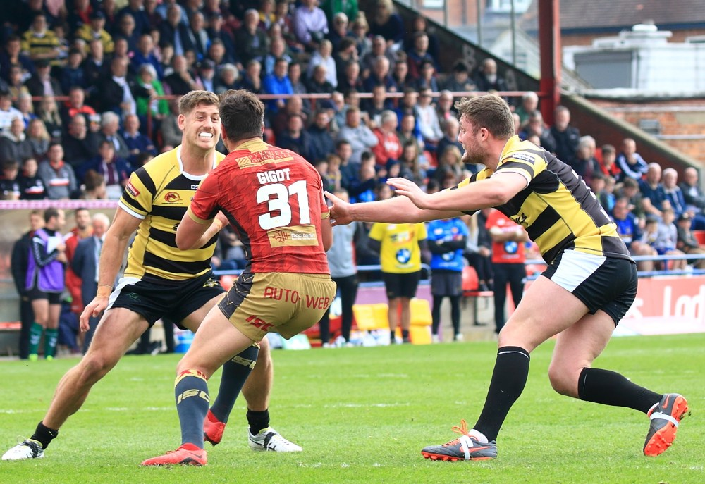 Over 3,000 people packed out Bootham Crescent to cheer on the heroic York City Knights.