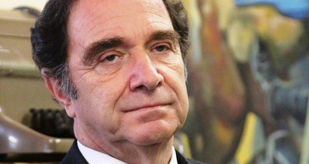 Ministro Larraín enfrentó interpelación ante Diputados