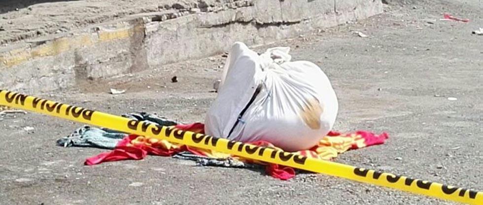 Localizan cadáver ensabanado sobre carretera a Comalapa