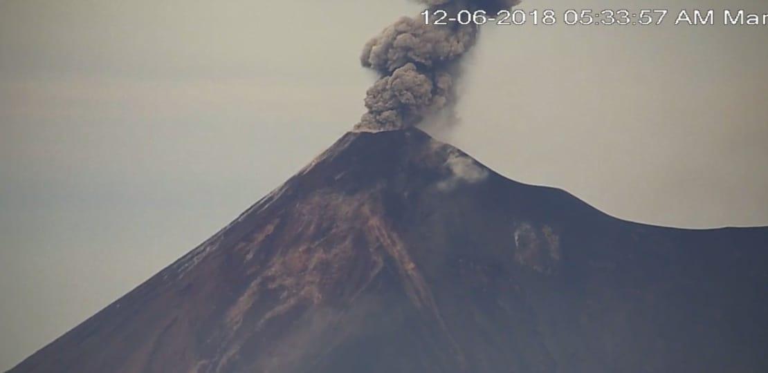 Volcán de Fuego sigue activo