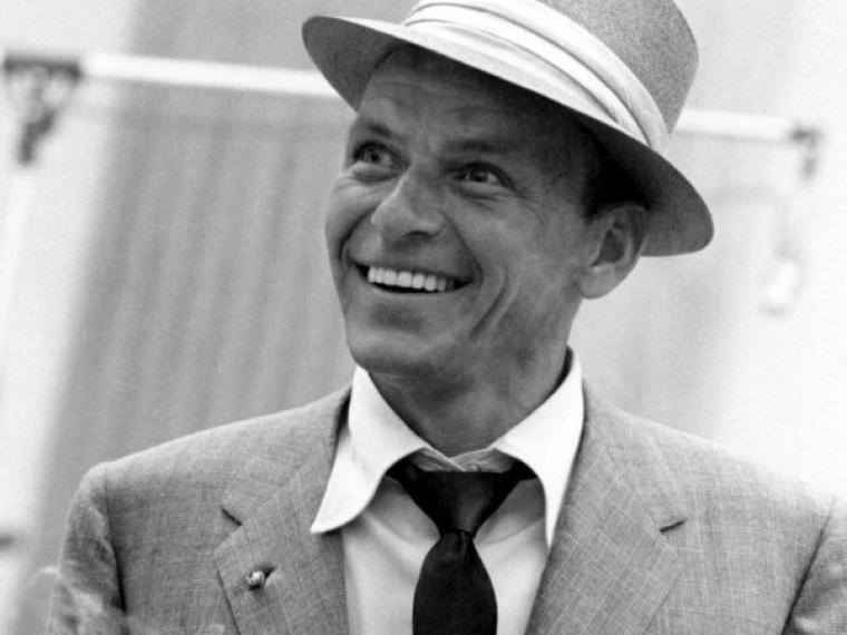 """""""Éxitos en el tiempo con José Manuel Estevanot"""" –  Frank Sinatra"""